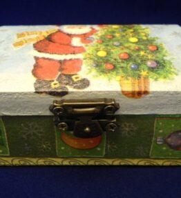 Cutie de bijuterii decorata cu Mos Craciun